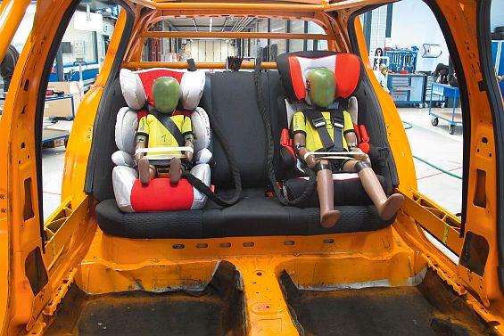 Billige Autokindersitze im Test: Sechs von zehn Modellen im Test sind mangelhaft. (Foto: Stiftung Warentest)