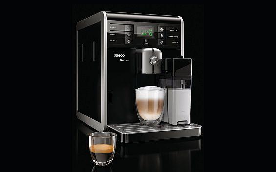 Der Testsieger Philips Saeco Moltio HD 8769 hat inzwischen eine Reinigungsfunktion für den Milchkreislauf dazubekommen. Dies konnte im Test noch nicht berücksichtigt werden. (Foto: Philips)