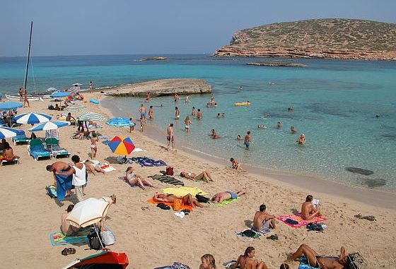 Sommerurlaub ohne Sonnencreme oder Sonnenspray? Undenkbar. (Foto: Markus Burgdorf)