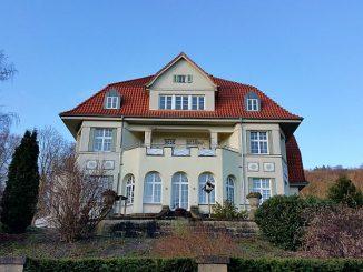 Die Immobilienpreise steigen - aber die niedrigen Zinsen für die Immobilienfinanzierung gleichen den Preisanstieg aus. (Foto: Markus Burgdorf)